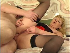 Emilia&John anal mom on video