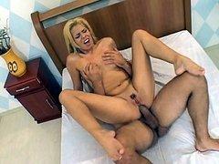 Latina Lorena Deep Cock Shoving