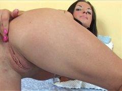 passionate brunette amateur girl